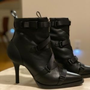 Chloe 90 Strappy Ankle Boots